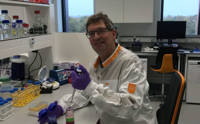 a researcher with a pipette Olaf Heidenreich