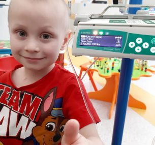 Ceylian receiving treatment for Ewing sarcoma in hospital